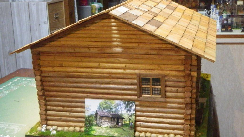 実物大で作られたお家の写真を観ながら制作。